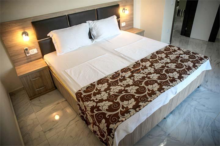 schickes 24qm zimmer mit toller ausstattung im hotel. Black Bedroom Furniture Sets. Home Design Ideas
