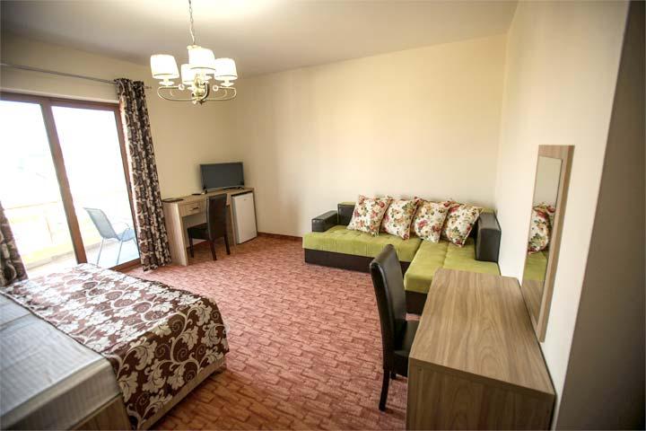 komfortables 30qm zimmer mit toller ausstattung im hotel. Black Bedroom Furniture Sets. Home Design Ideas